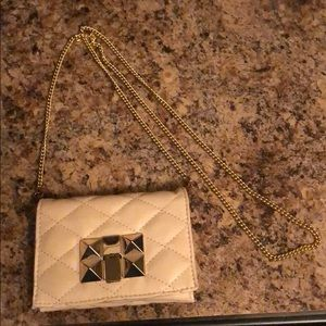 Handbags - White and Gold Small Chain Purse